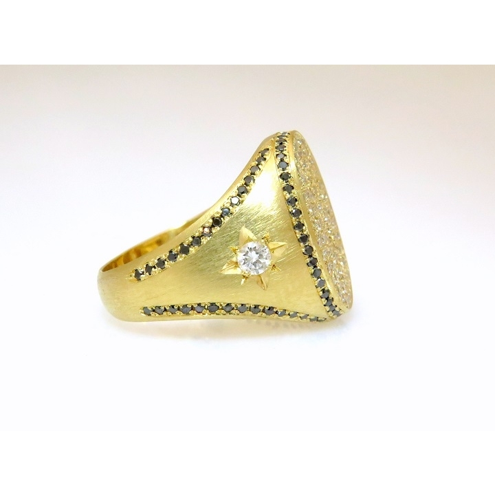 Signet pave ring