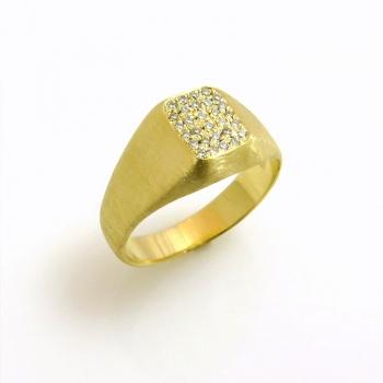 -White diamond pinky ring