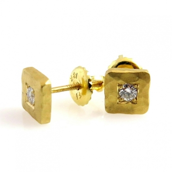 -Square diamond earrings