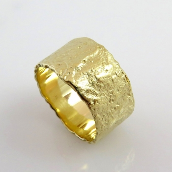 -Melted gold ring