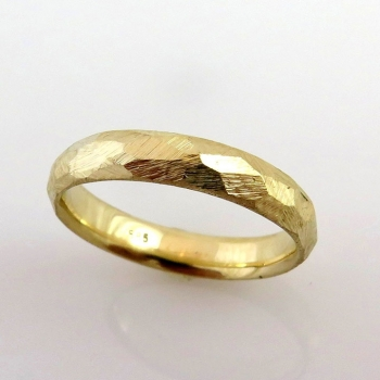 -Faceted wedding band