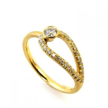 -Unique inifnity diamond ring