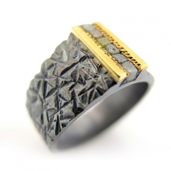 -Wild rough diamond ring