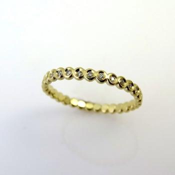 -Diamond dot ring