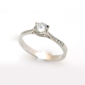 -Classic solitaire engagement ring