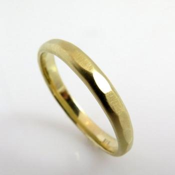 Hammerd gold wedding band
