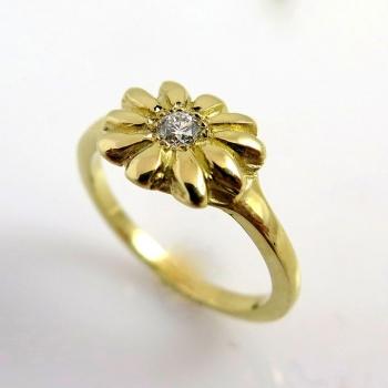 -Flower diamond ring